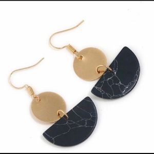 NWT Black and Gold Marble Dangle Earrings